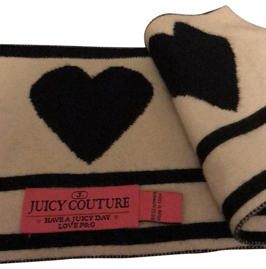 Preload https://img-static.tradesy.com/item/25775479/juicy-couture-black-and-white-92918-scarfwrap-0-1-540-540.jpg