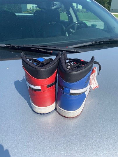 Nike black red blue Athletic Image 4