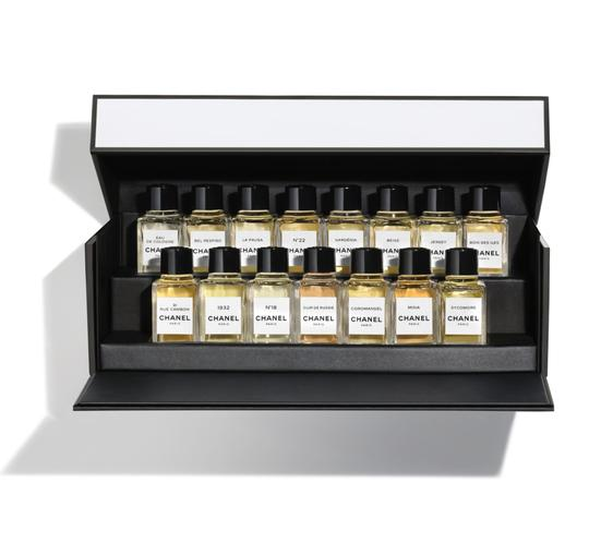 Preload https://img-static.tradesy.com/item/25775626/chanel-white-new-les-exclusifs-de-discovery-set-collector-s-limited-edition-fragrance-0-0-540-540.jpg