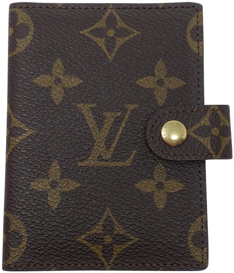 Preload https://img-static.tradesy.com/item/25775738/louis-vuitton-brown-lv-monogram-coated-canvas-photo-book-wallet-0-4-540-540.jpg
