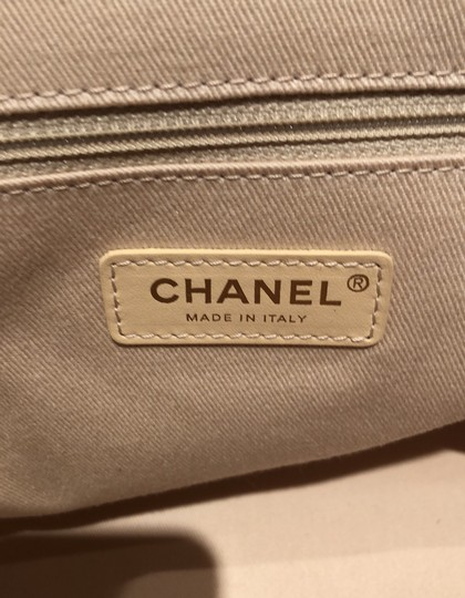 Chanel Tote in ivory Image 7