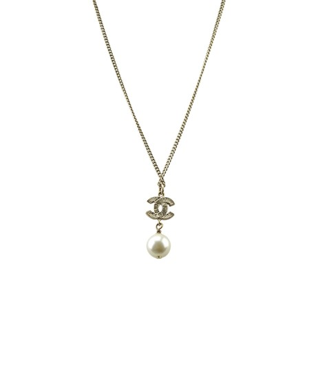 Chanel Chanel CC Pearl Crystal Embellished Pendant Necklace (174598) Image 1
