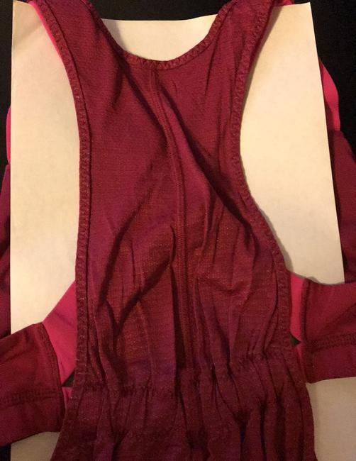 Lululemon adjustable running top with built in bar Image 2