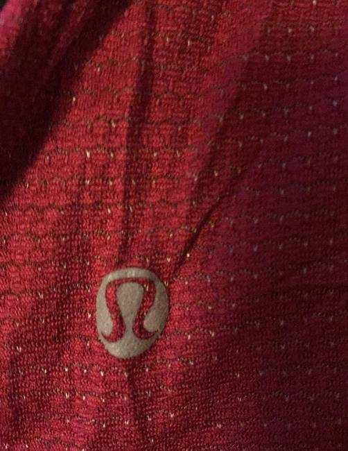 Lululemon adjustable running top with built in bar Image 3