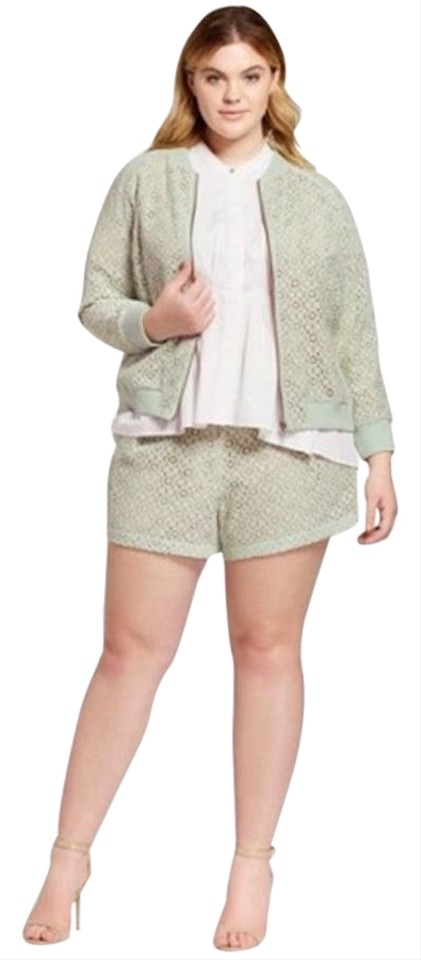 Victoria Beckham for Target Mint Green / Nude W Lace W/ Lining Shorts Size  24 (Plus 2x) 43% off retail