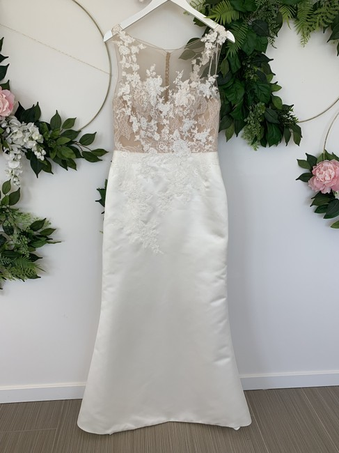 Item - Off White and Nude Satin Lace Dranoe Traditional Wedding Dress Size 10 (M)