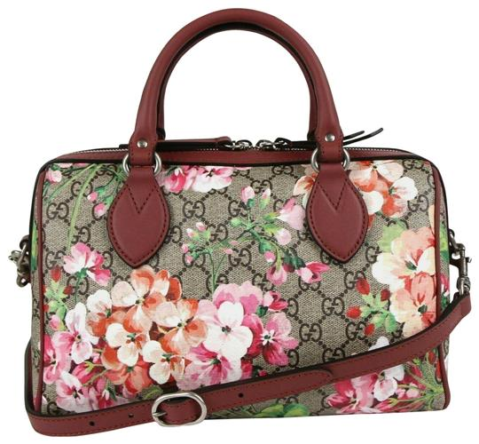 Preload https://img-static.tradesy.com/item/25778830/gucci-boston-bloom-coated-409529-beigepink-gg-supreme-canvas-cross-body-bag-0-1-540-540.jpg