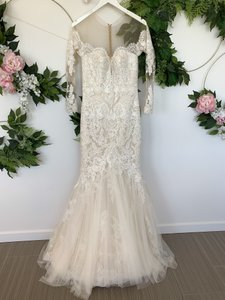 Pronovias Off White Tulle and Lace Drinea Formal Wedding Dress Size 8 (M)
