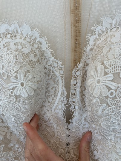 Pronovias Off White Tulle and Lace Drinea Formal Wedding Dress Size 8 (M) Image 1