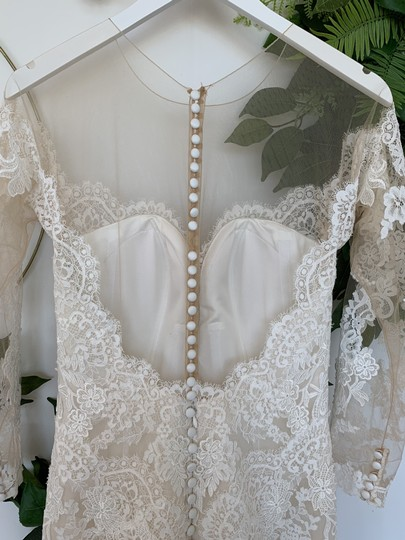 Pronovias Off White Tulle and Lace Drinea Formal Wedding Dress Size 8 (M) Image 3