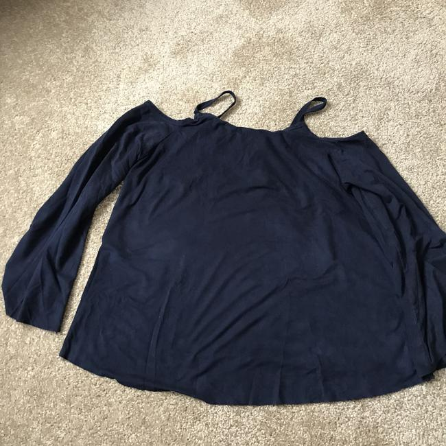 Charlotte Russe Chamois-like Self-tie Cold Shoulder Bell Sleeve Polyester/Spandex Tunic Image 7