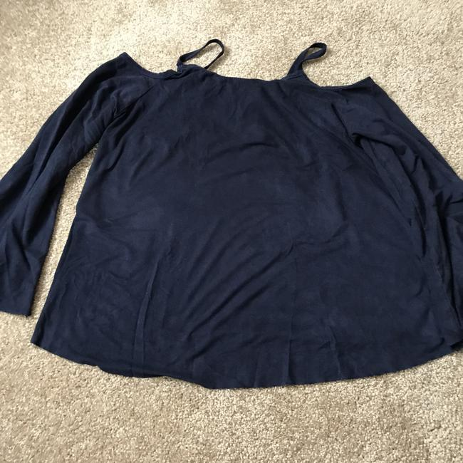 Charlotte Russe Chamois-like Self-tie Cold Shoulder Bell Sleeve Polyester/Spandex Tunic Image 9