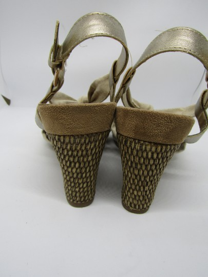 Aerosoles Light Gold Wedges Image 5