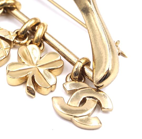 Chanel Ultra Rare CC Hanger charms gripoix gold brooch Image 10