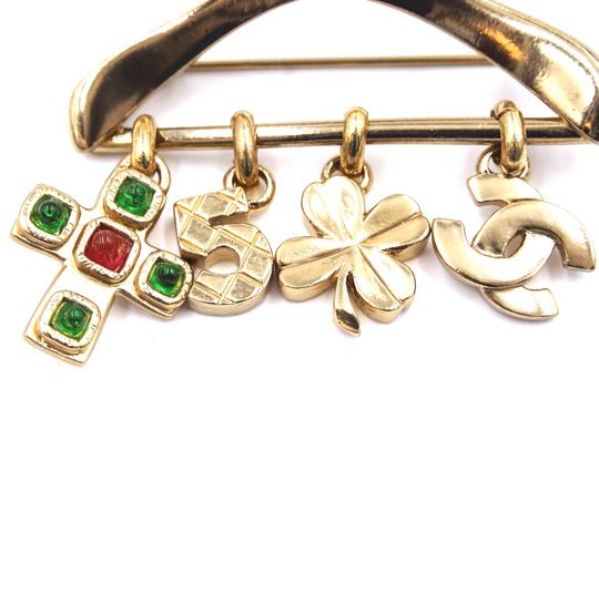 Chanel Ultra Rare CC Hanger charms gripoix gold brooch Image 11