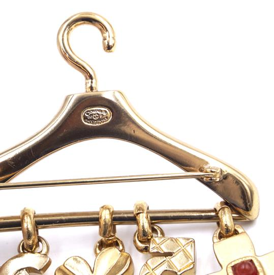 Chanel Ultra Rare CC Hanger charms gripoix gold brooch Image 2