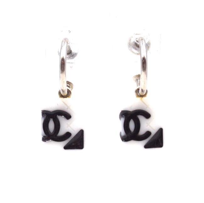 Item - #31525 White Black Silver Cambon Rare Cc Quilted Dangle Pierced Stud Earrings