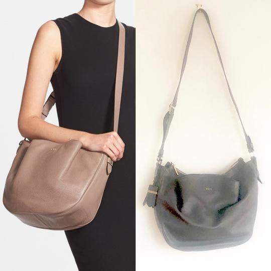 Tod's Leather Hobo Cross Body Bag Image 4