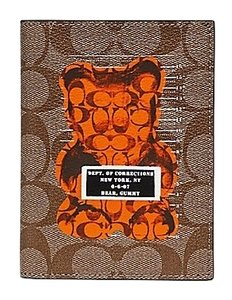 Coach NWT Passport Case In Signature With Vandal Gummy F77914