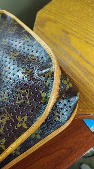 Louis Vuitton Limited Edition Perforated Musette Shoulder Bag Image 8