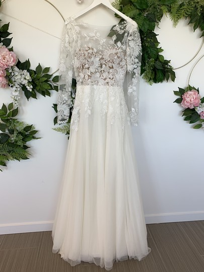 Preload https://img-static.tradesy.com/item/25779534/off-white-tulle-silk-and-lace-hanouka-sexy-wedding-dress-size-6-s-0-0-540-540.jpg