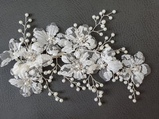White Hairpiece Lace Large Floral Flower Pin Comb Hair Accessory Image 4
