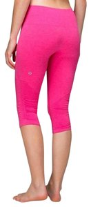 Lululemon Seamless compression in the flow leggings