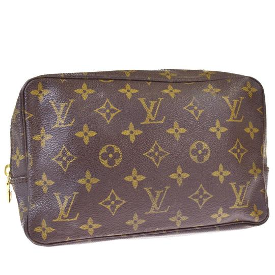Preload https://img-static.tradesy.com/item/25781853/louis-vuitton-trousse-toilette-23-hand-brown-monogram-leather-clutch-0-0-540-540.jpg