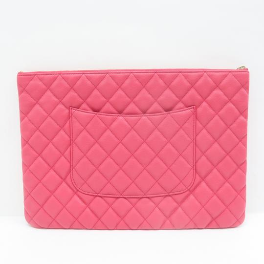 Chanel Quilted O-case Large Coral Clutch Image 2