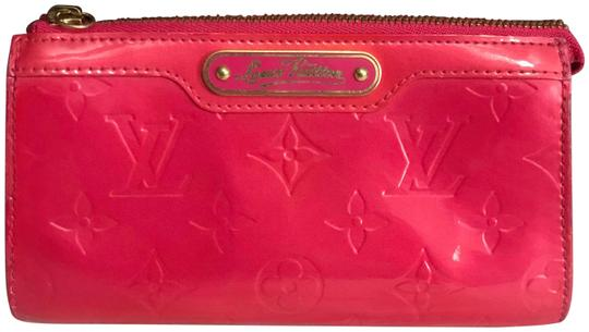 Preload https://img-static.tradesy.com/item/25782071/louis-vuitton-pink-trousse-pouch-cosmetic-bag-0-1-540-540.jpg