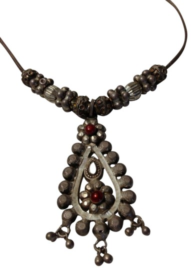 Preload https://img-static.tradesy.com/item/25782307/silver-east-indian-enameled-necklace-0-1-540-540.jpg