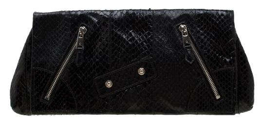 Preload https://img-static.tradesy.com/item/25782321/alexander-mcqueen-faithful-glove-black-leather-clutch-0-1-540-540.jpg