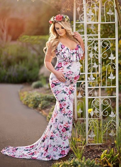 Armina Maternity White Grey Pastel Women's Large Maxi Gown Photo Baby Fitted Formal Wedding Dress Size 14 (L) Image 1