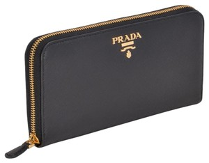 Prada Df new Prada Saffiano wallet with gold tone logo
