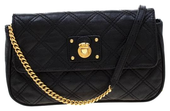 Preload https://img-static.tradesy.com/item/25782444/marc-jacobs-quilted-small-single-black-leather-shoulder-bag-0-1-540-540.jpg