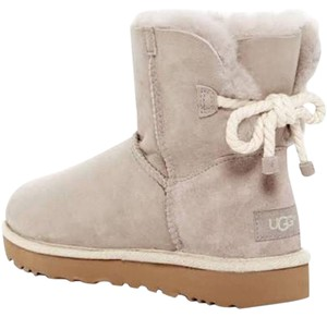 6f7e576fc4a White UGG Australia Boots & Booties Flat Up to 90% off at Tradesy