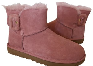 0b8d65aadb8 UGG Australia Color Is Fig But It's A Very Deep Burgundy. Great with ...
