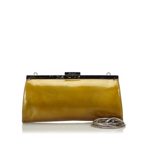 Gucci 9ggucl006 Vintage Patent Leather Gold Clutch