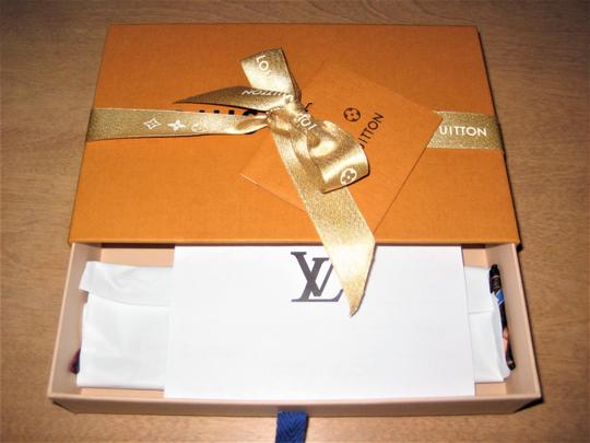 Louis Vuitton Authentic **BNIB** LOUIS VUITTON Monogram SUMMER TRUNK Silk BANDEAU Image 8