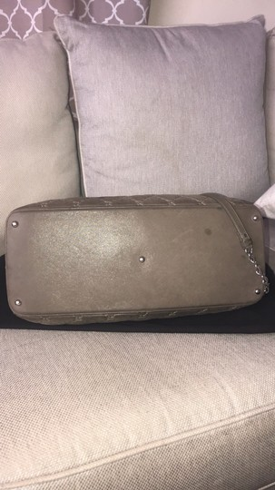 Chanel Tote Calfskin Leather Cross Body Bag Image 2