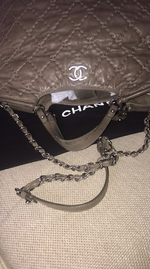Chanel Tote Calfskin Leather Cross Body Bag Image 3