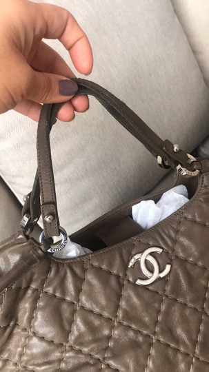 Chanel Tote Calfskin Leather Cross Body Bag Image 4