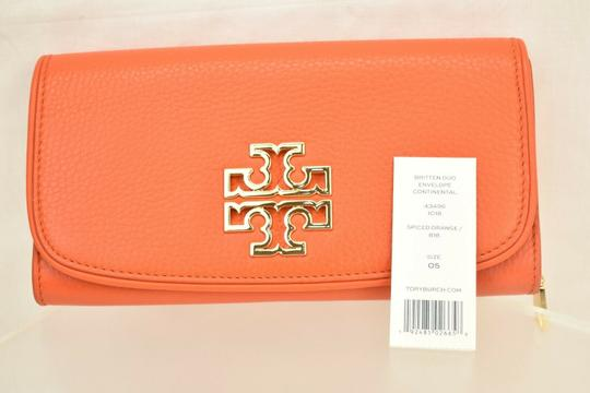 Tory Burch SPICED ORANGE BRITTEN DUO LEATHER ENVELOPE CONTINENTAL WALLET Image 1