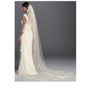 David's Bridal White Long One Tier Sequin & Lace Cathedral Bridal Veil