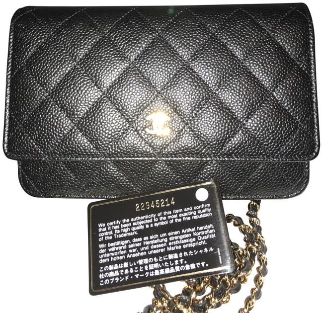 Item - Wallet on Chain Classic In Caviar Black Leather Cross Body Bag