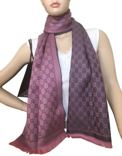 Preload https://img-static.tradesy.com/item/25792144/gucci-reversible-dual-colored-pink-and-gray-gg-pattern-scarfwrap-0-2-540-540.jpg
