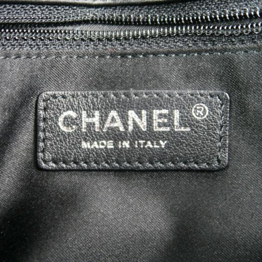 Chanel Shoulder Bag Image 5