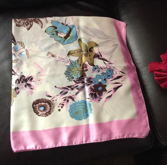 Unbranded 100% auth silk scarf with beautiful design Image 1