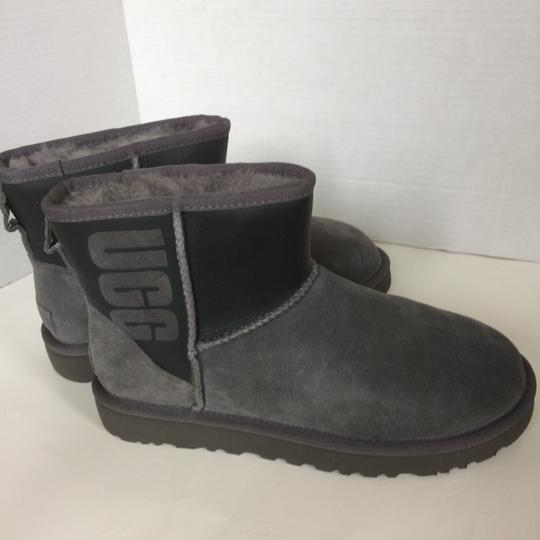 UGG Australia New With Tags GREY / BLACK Boots Image 3