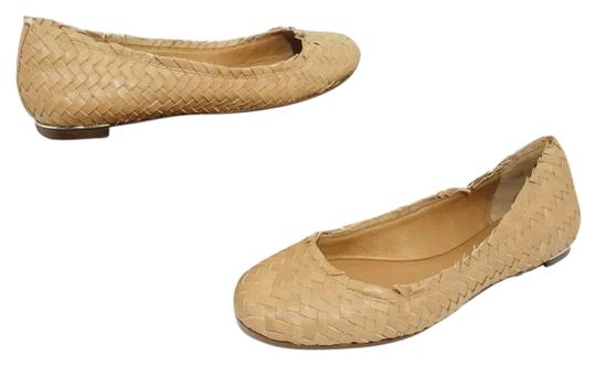 Preload https://img-static.tradesy.com/item/25794851/coach-brown-florence-women-s-natural-leather-woven-slip-on-flats-size-us-8-regular-m-b-0-1-540-540.jpg